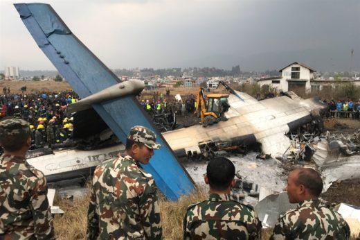 Resultado de imagen para Tragedia en Nepal: ascienden a 49 los muertos del avión que se estrelló en Nepal