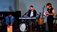 Daniel Herrera, a los teclados, con Cristina Echeverría.