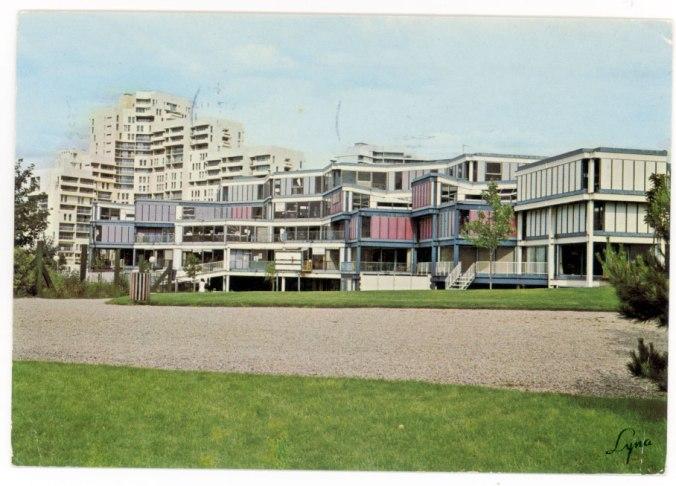 Ecole d'architecture de Nanterre. Kalisz architecte. Source : http://archipostcard.blogspot.fr/2010/12/une-ecole-darchitecture-une-lecon.html