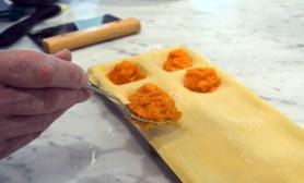 Pasta-con-la-zucca-fillingf-the-ravioli