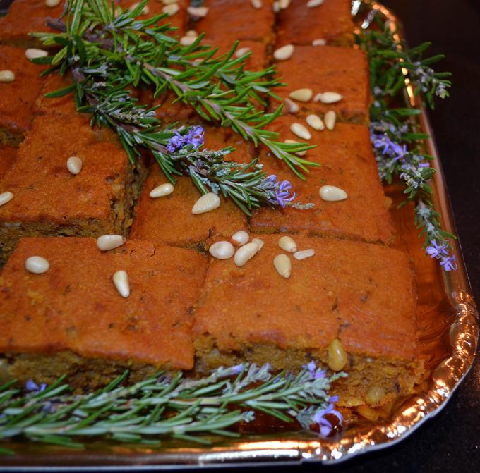 Pumpkin cake with rosemary ready for travel| labellasorella.com