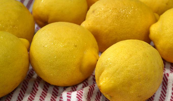 Lemons scrubbed | labellasorella.com