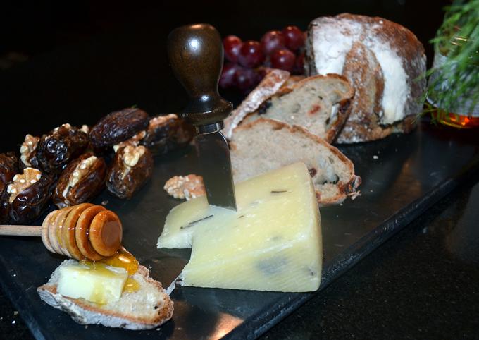 Time for Prosecco and some appetizers | labellasorella.com