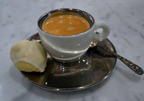 Anginetti-con-espresso