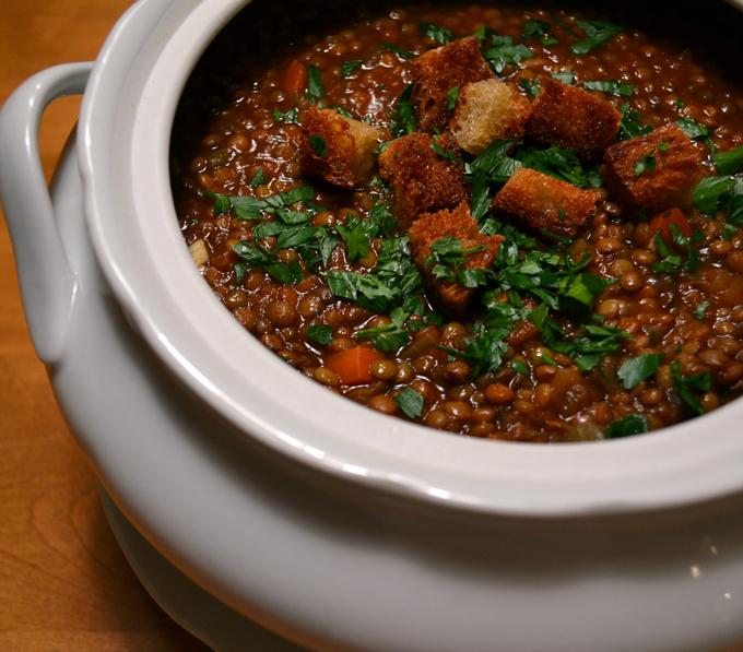 Lentil-Soup-family-style | labellasorella.com