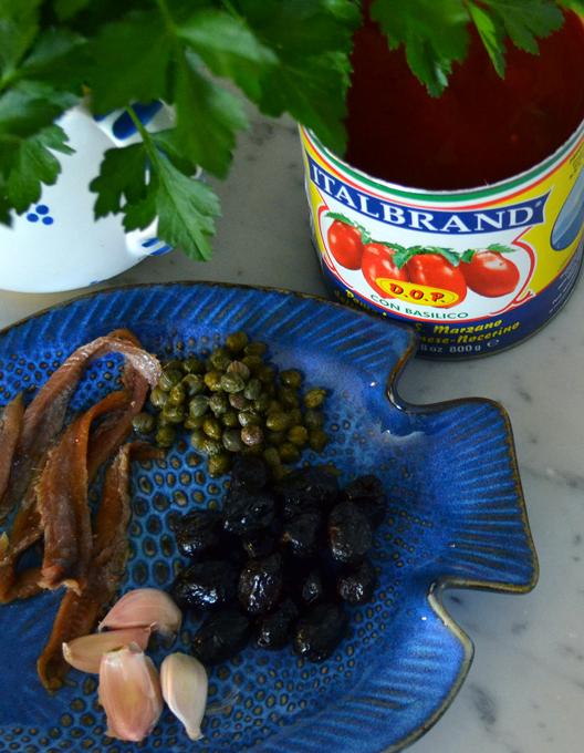 Puttanesca Sauce Components | labellasorella.com