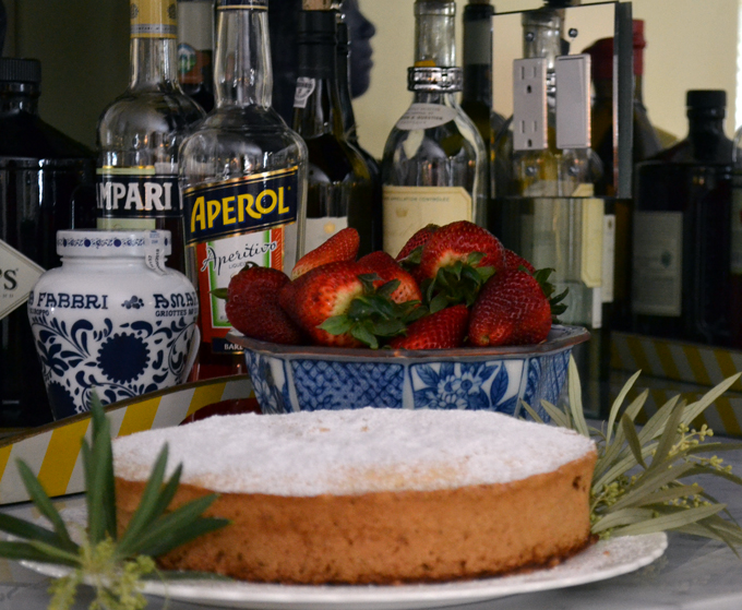 Piedmointe Hazelnut Cake | labellasorella.com