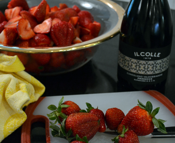 Strawberries with Prosecco ready for aromatics and Il Colle Prosecco | labellasorella.com