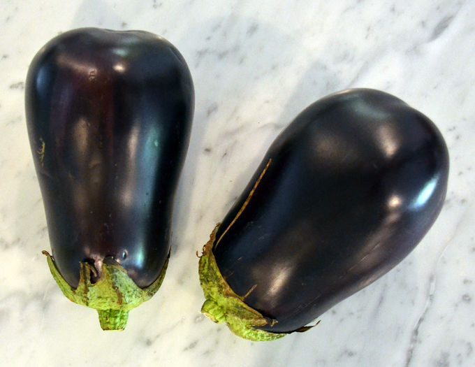 Beautiful eggplant, straight from the farm | labellasorella.com