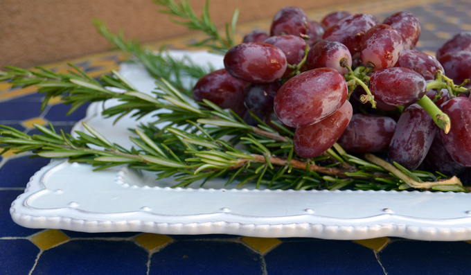 Seedless red flame grapes & rosemary are the basis for our Tuscan Grape Harvest Cake | labellasorella.com