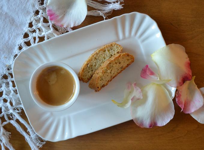 Won't you join me for espresso & Anise Biscotti? | labellasorella.com