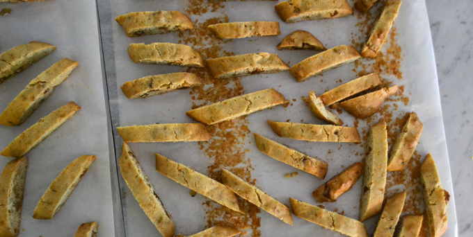 The sliced Fig Biscotti ready for the second baking | labellasorella.com