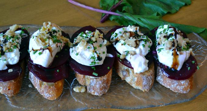 Beet & Burrata Bruschetta drizzled with Balsamico | labellasorella.com