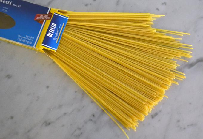 Imported Italian Spaghetti - DeCecco| labellasorella.com