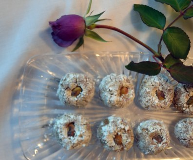 Pistachio-Cookies,-a-delicate-bite