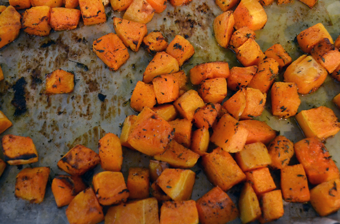 The seasoned & roast butternut squash, warm and ready to be dressed | labellasorella.com