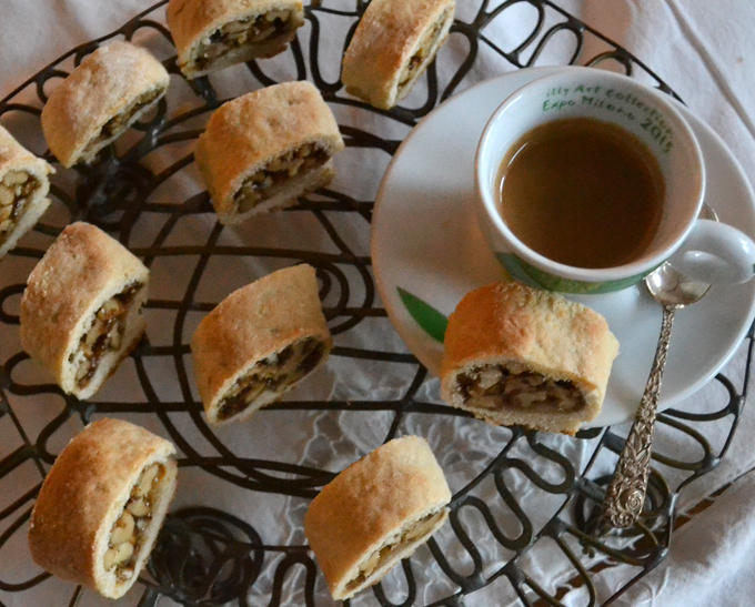 Sfratta a traditional Jewish Italian sweet from Pitigliano | labellasorella.com