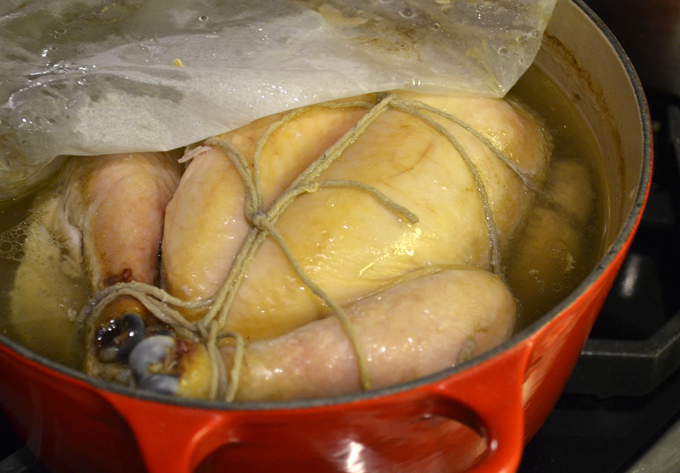 The cooked chicken ready to chill overnight | labellasorella.com