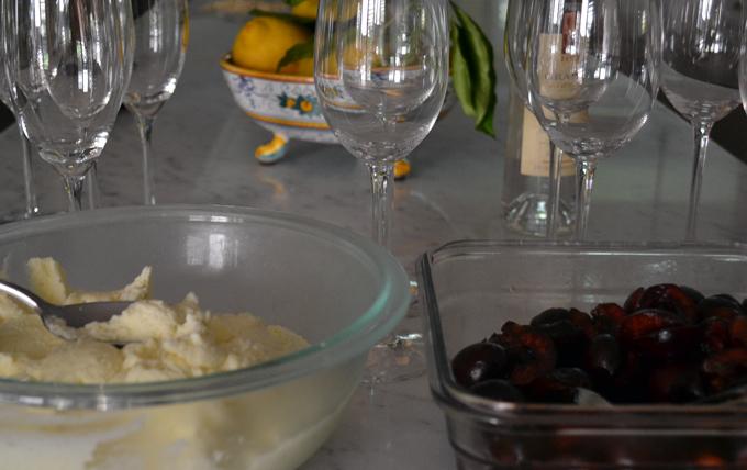 Assembling the dessert   labellasorella.com