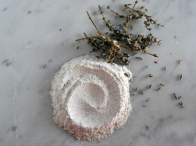 Lavender powder | labellasorella.com