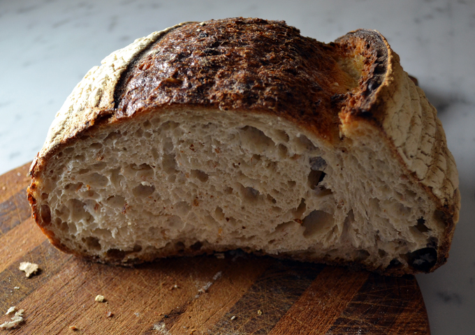 European style country bread | labellasorella.com