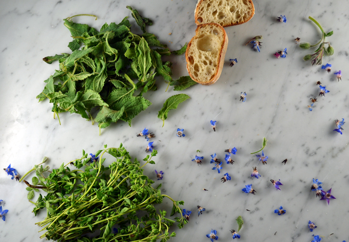 Borage and marjoram are the traditional herbs used to flavor the filling | labellasorella.com