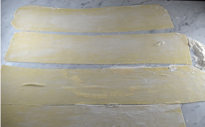 Thin sheets of pasta await the filling | labellasorella.com