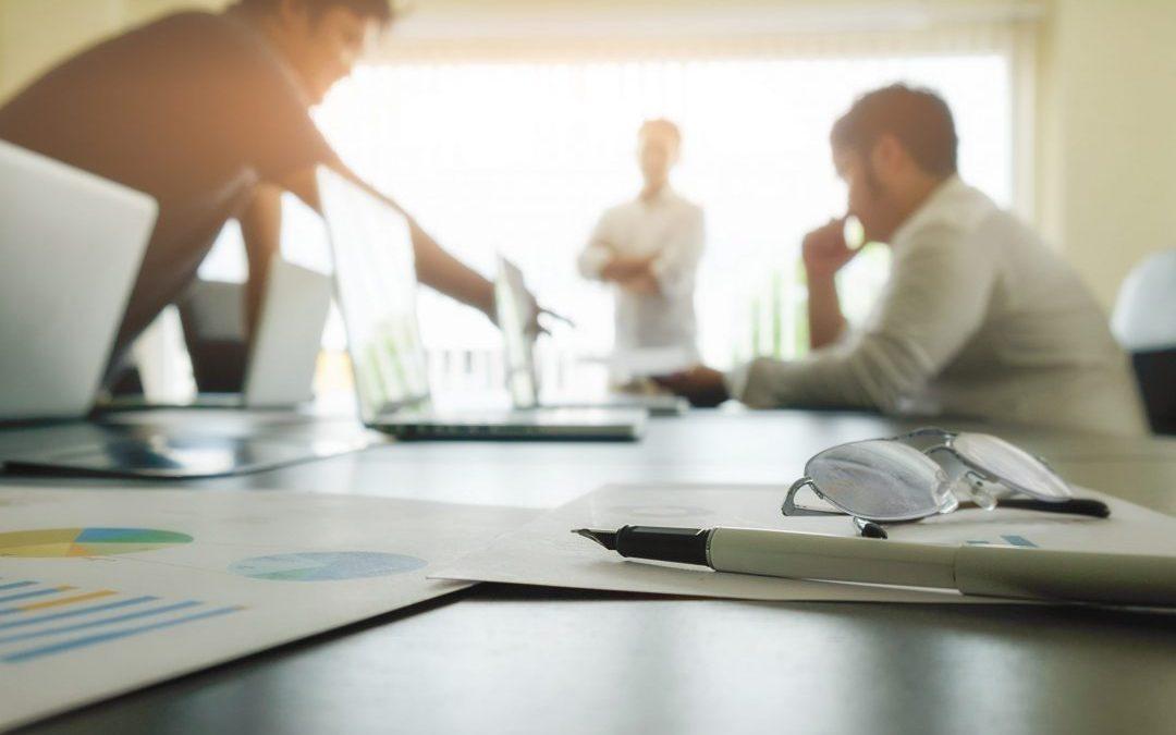 Como a engenharia financeira ajuda na tomada de decisões estratégicas?