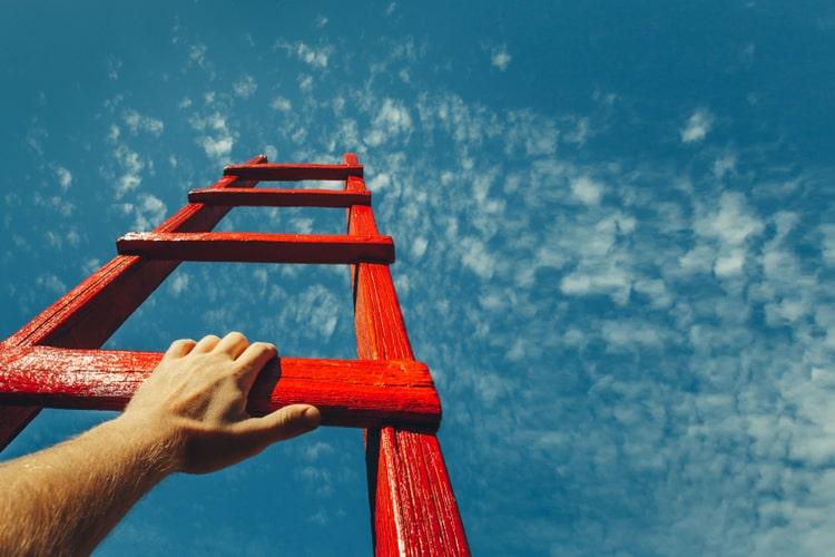 Gestão de carreira: descubra como tomar decisões profissionais que levem em conta os seus propósitos e a realidade para ter uma carreira de sucesso
