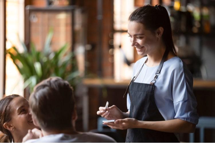 Como a hospitalidade agrega valor aos negócios