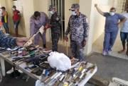 Los presos de La Victoria entregan centenares de celulares y cuchillos