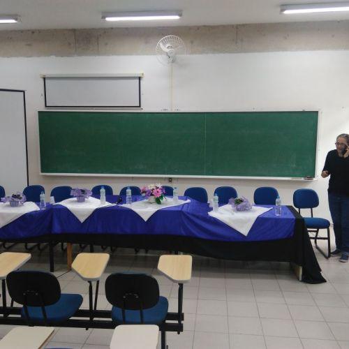 Dra. Raquel do Labmax finalizando os preparativos para o início da cerimônia.
