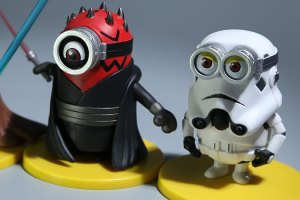 3D-Eye-Minions-Cosplay-Star-Wars-White-Soldiers-Jedi-Darth-Vader-Doll-Fashion-Cartoon-Minions-PVC (2)
