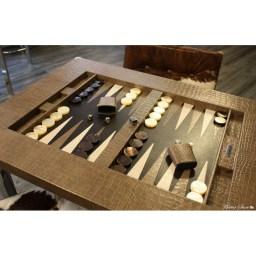 table-de-backgammon-cuir-crocodile-taupe (1)