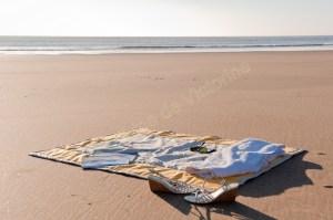 Plaid de plage Les cabanes_Fond jaune_Tour mastic_02 (Copier)