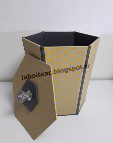 Poubelle hexagonale 15-Danièle L