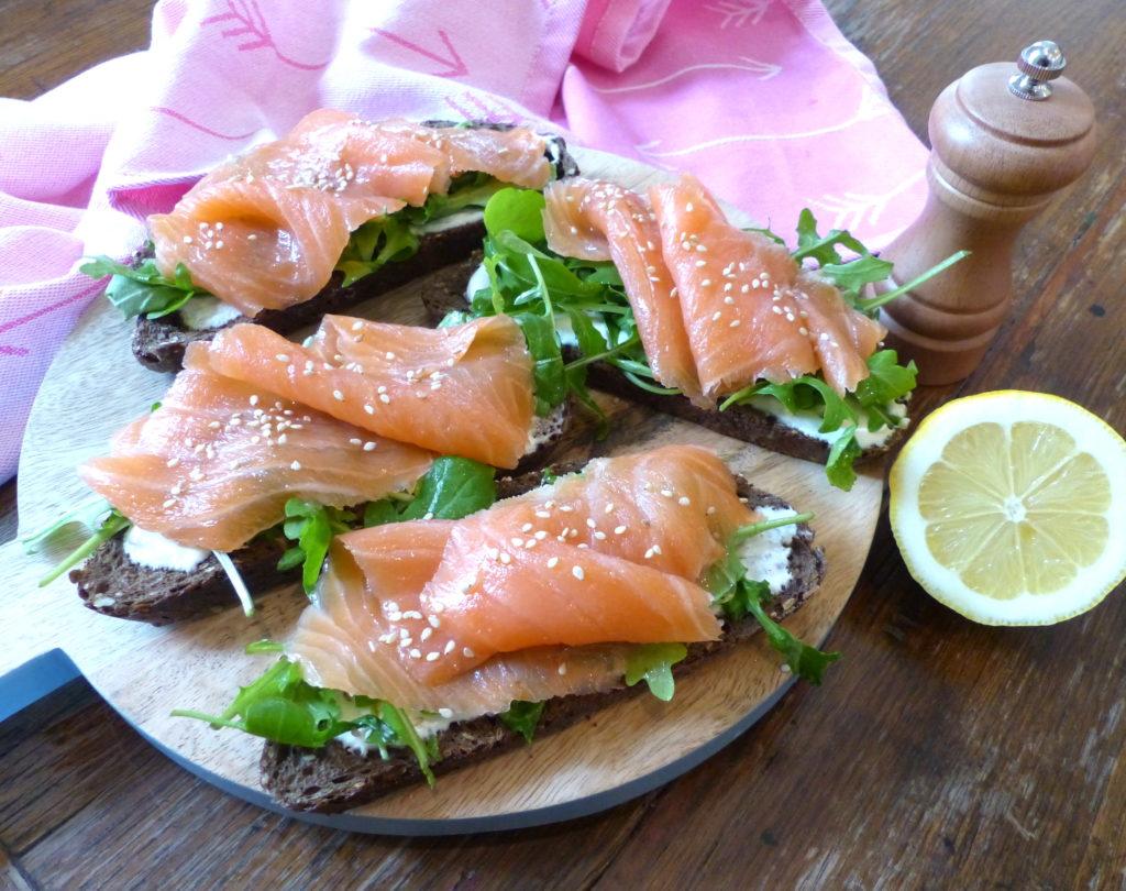 tartine-délicieuse-saumon-et-roquette-4.jpg