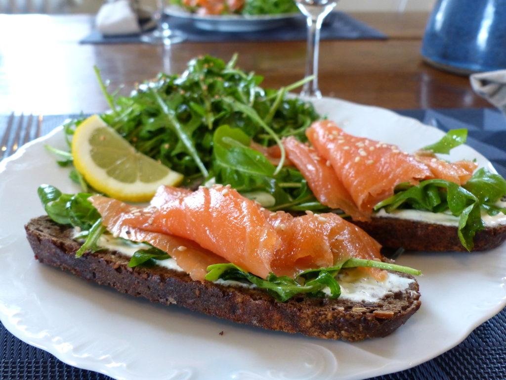 tartine-délicieuse-saumon-et-roquette-6.jpg