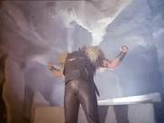Thor arrive. Image extraite de Le retour de l'incroyable Hulk.