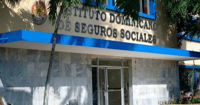 Gobierno disolverá el IDSS; crea Instituto de Administración de Riesgos Laborales