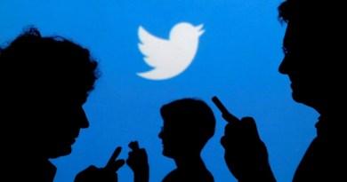 """""""Sunless Twitter"""" así es el ejército correct de la Sudáfrica negra"""