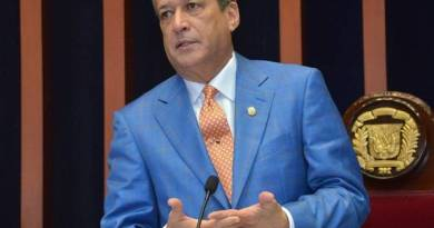 Vídeos: Debate entre Reinaldo y Paliza entorno a resolución de la JCE sobre voto arrastre