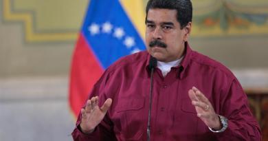 Gobierno venezolano dice Cruz Roja podría otorgar ayudas cada dos semanas
