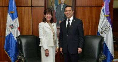 Presidente de la Suprema Corte y la embajadora de Estados Unidos sostienen reunión