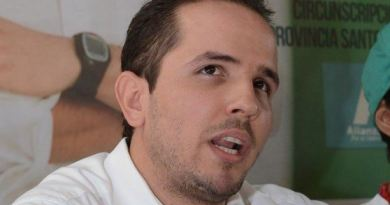 Vídeo- Activista Claudio Caamaño Vélez resta credibilidad a la JCE