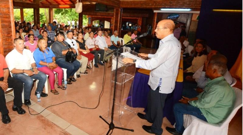 Temístocles Montás advierte ambiciones de poder están minando la unidad del PLD