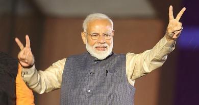 Rotunda victoria de Modi con 303 escaños al acabar recuento de votos en India