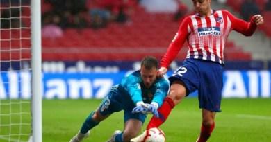 El Atlético de Madrid retrasa el título liguero del Barça