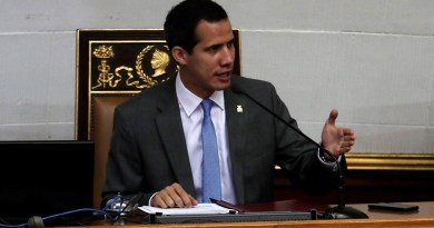 Guaidó evalúa emisión de pasaporte de emergencia a venezolanos en el exterior