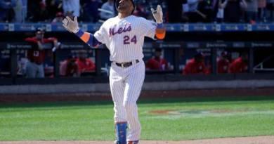 Canó dispara uno de los cinco jonrones de los Mets